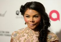"Lil Kim To Launch ""The Queen Bee"" Reality Show"